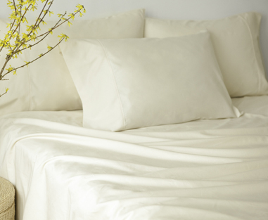 glo® Organic Sateen Sheets (shown in natural)